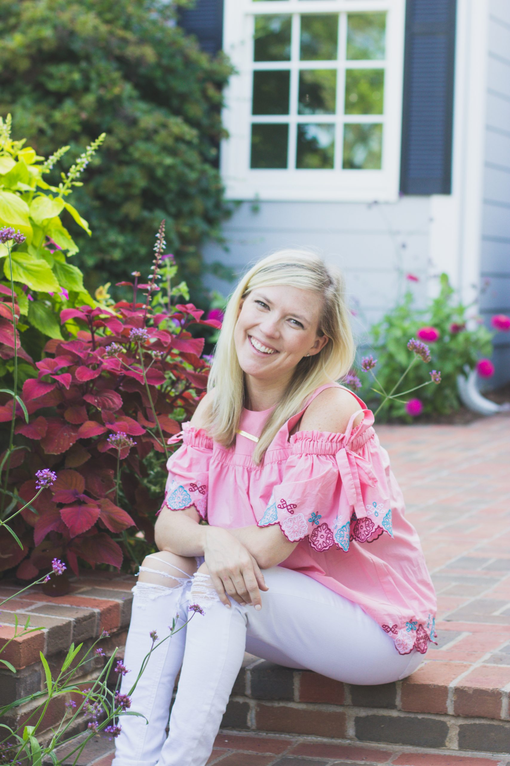 Top Missouri life and style blogger, Emily of Emmy Lou Styles