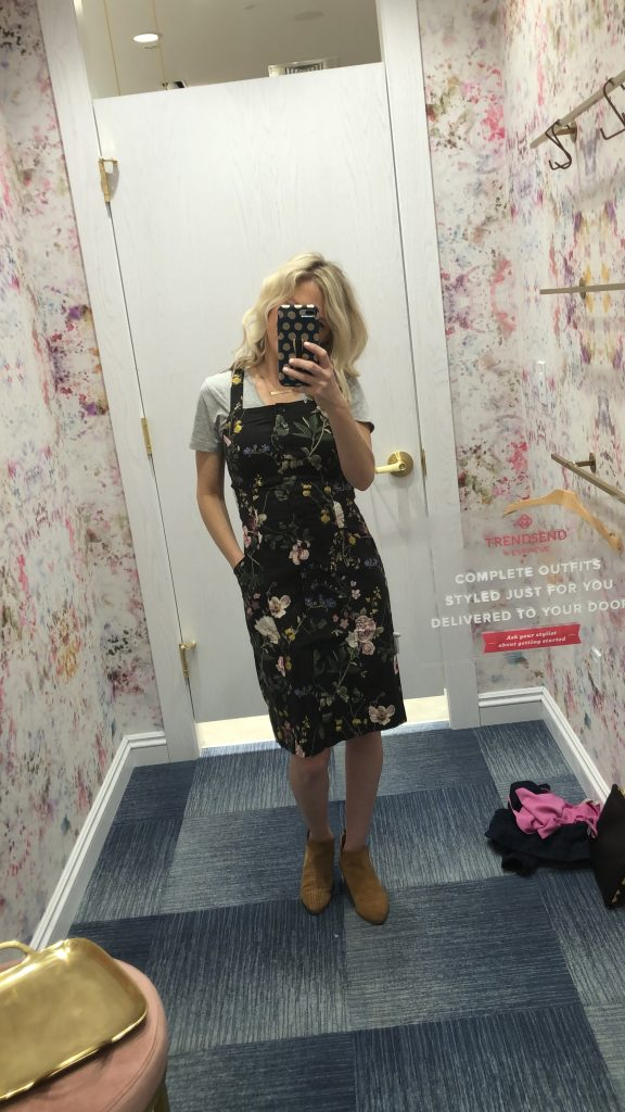 evereve level 99 floral dress featured by top US fashion blogger, Emmy Lou Styles