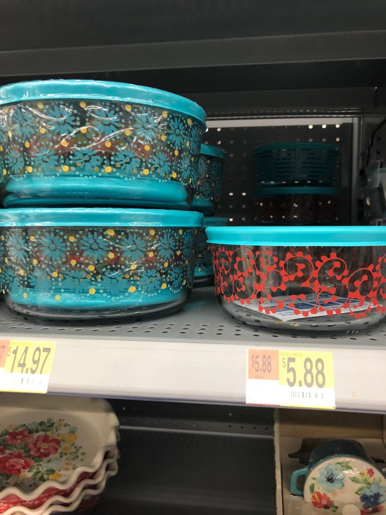 pioneer woman pyrex dishes | The Best Walmart Purchases: 20 Things you Won't Believe are from Walmart featured by top Missouri fashion blogger, Emmy Lou Styles