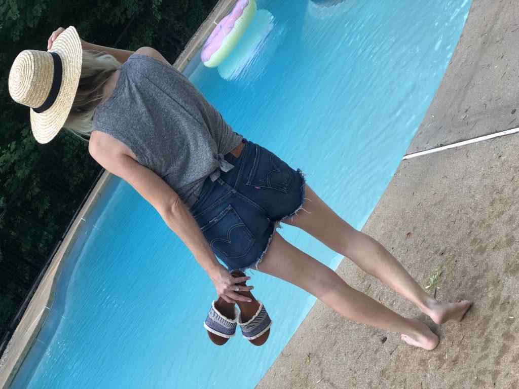 levi 501 silverlake cutoff shorts