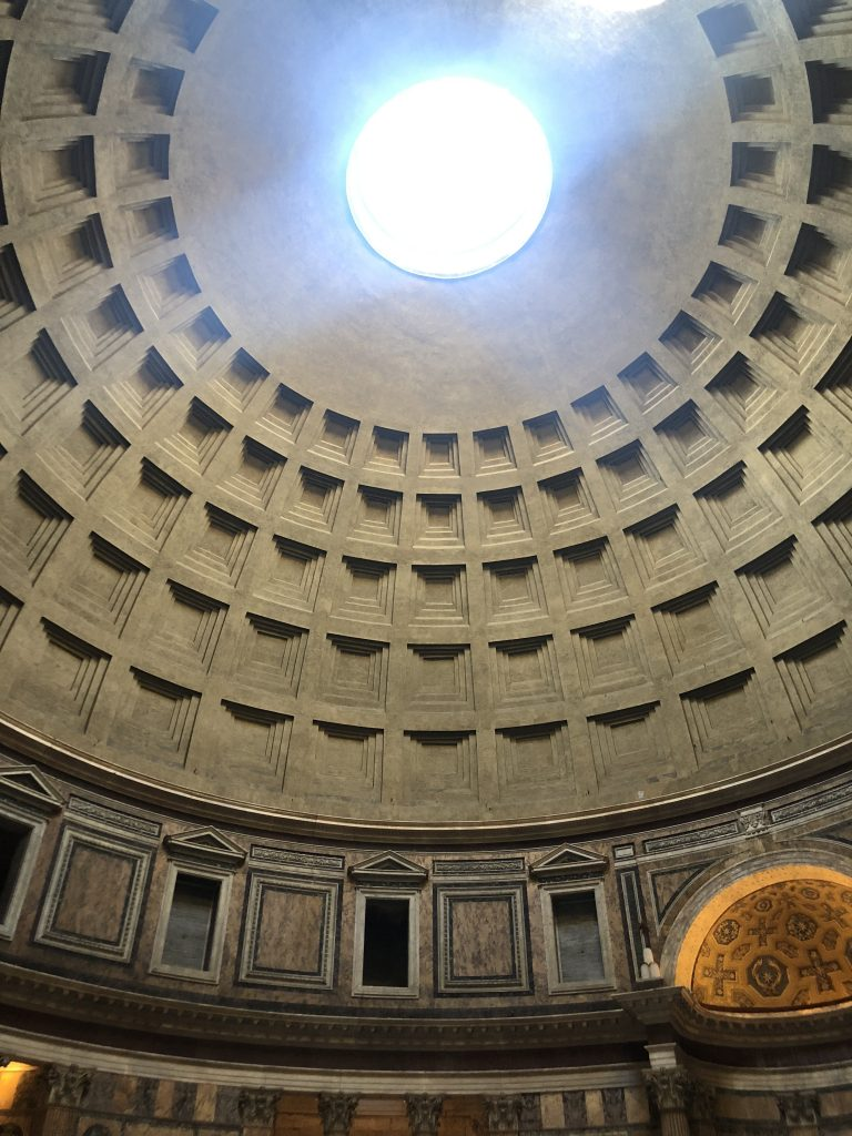 Emily from Emmy Lou Styles visits the Pantheon in Rome, Italy