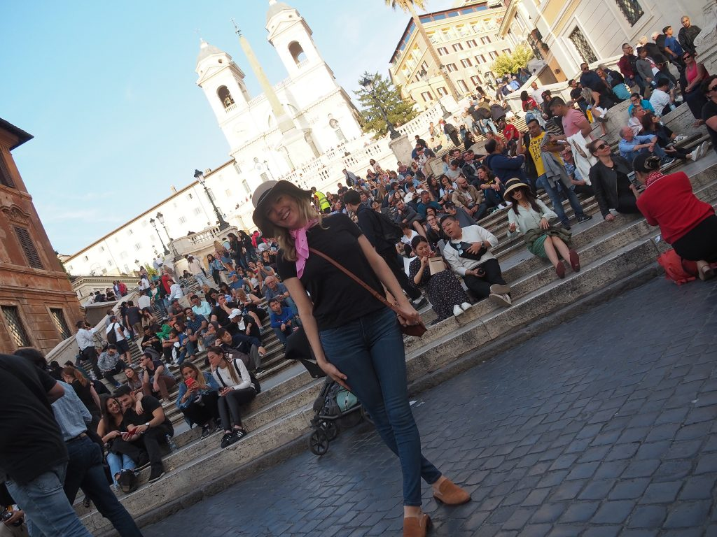 Emily from Emmy Lou Styles poses in front of the Spanish Steps in Rome