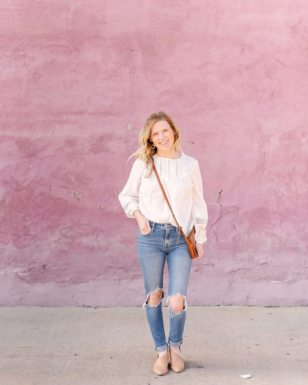WHY EVERY WOMAN NEEDS A FEMININE WHITE BLOUSE