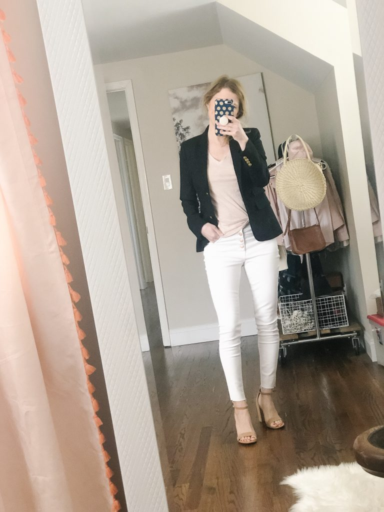 7 ways to wear white jeans_woman wearing blazer