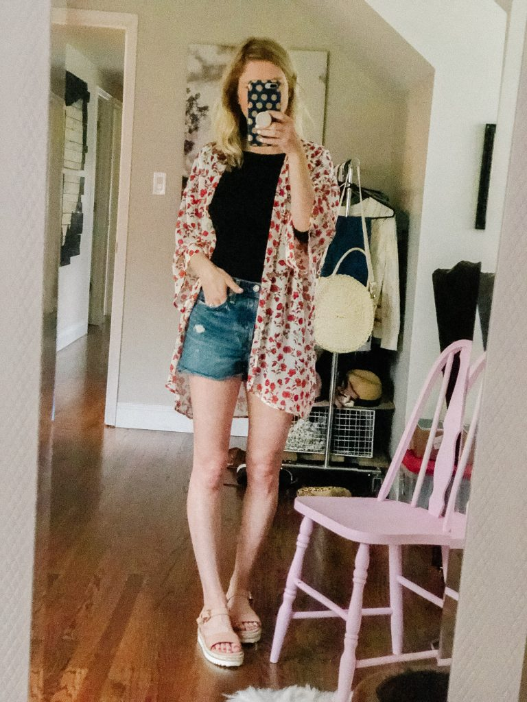 how to style denim shorts with a kimono