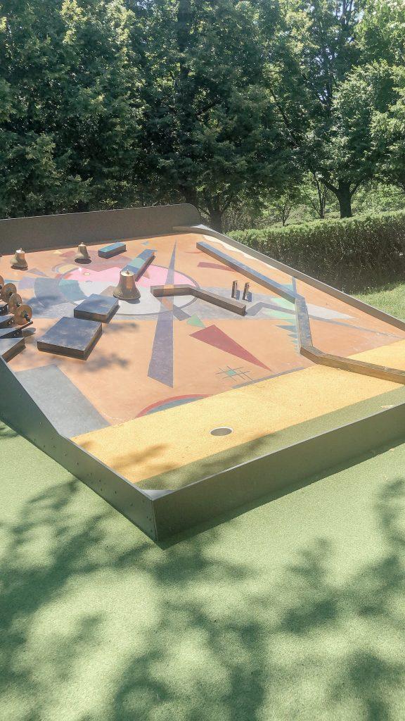 Girls Weekend to Kansas City_Mini Golf at art museum