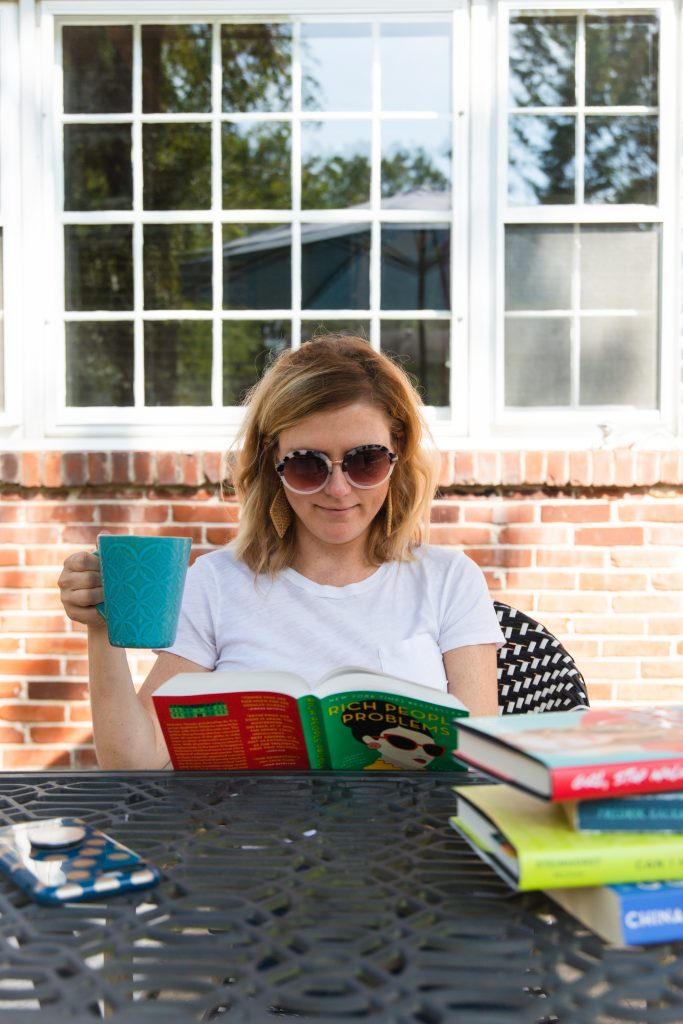 5 Ways to Start Reading More_woman drinking coffee and reading