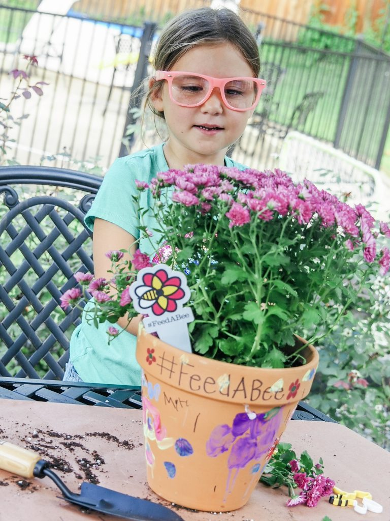 Easy steps for creating your own bee pollinator with kids