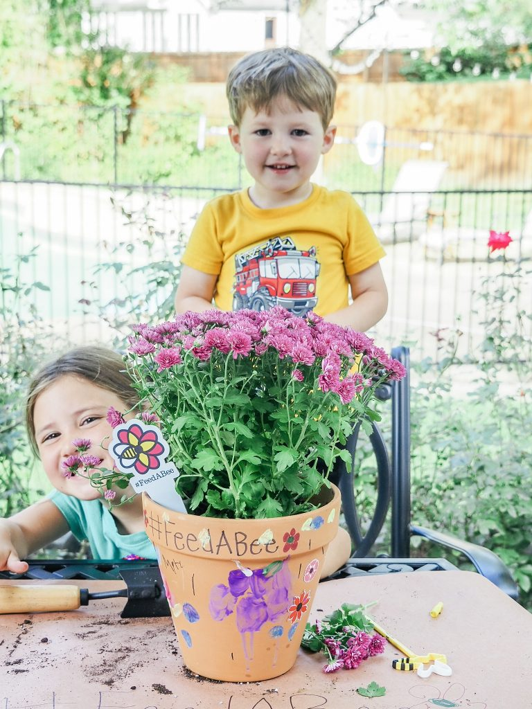 Simple project for kids to create their own bee pollinator