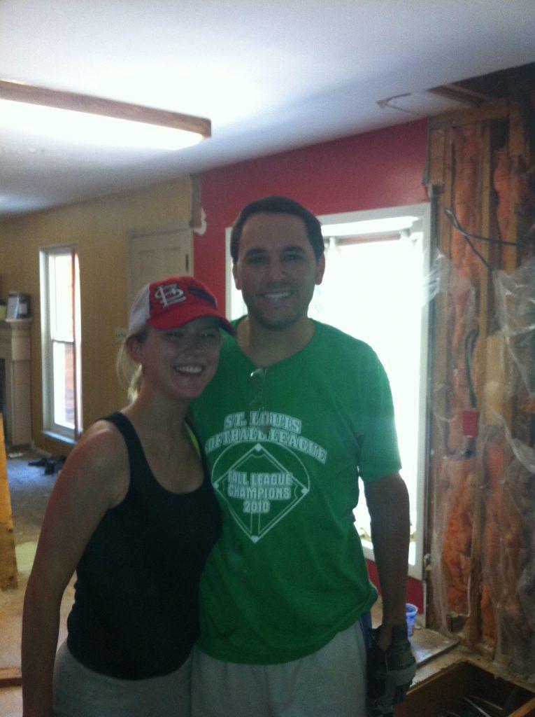 Photo of a couple doing a kitchen renovation