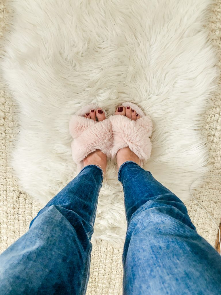 Amazon Finds_Furry open toe slippers