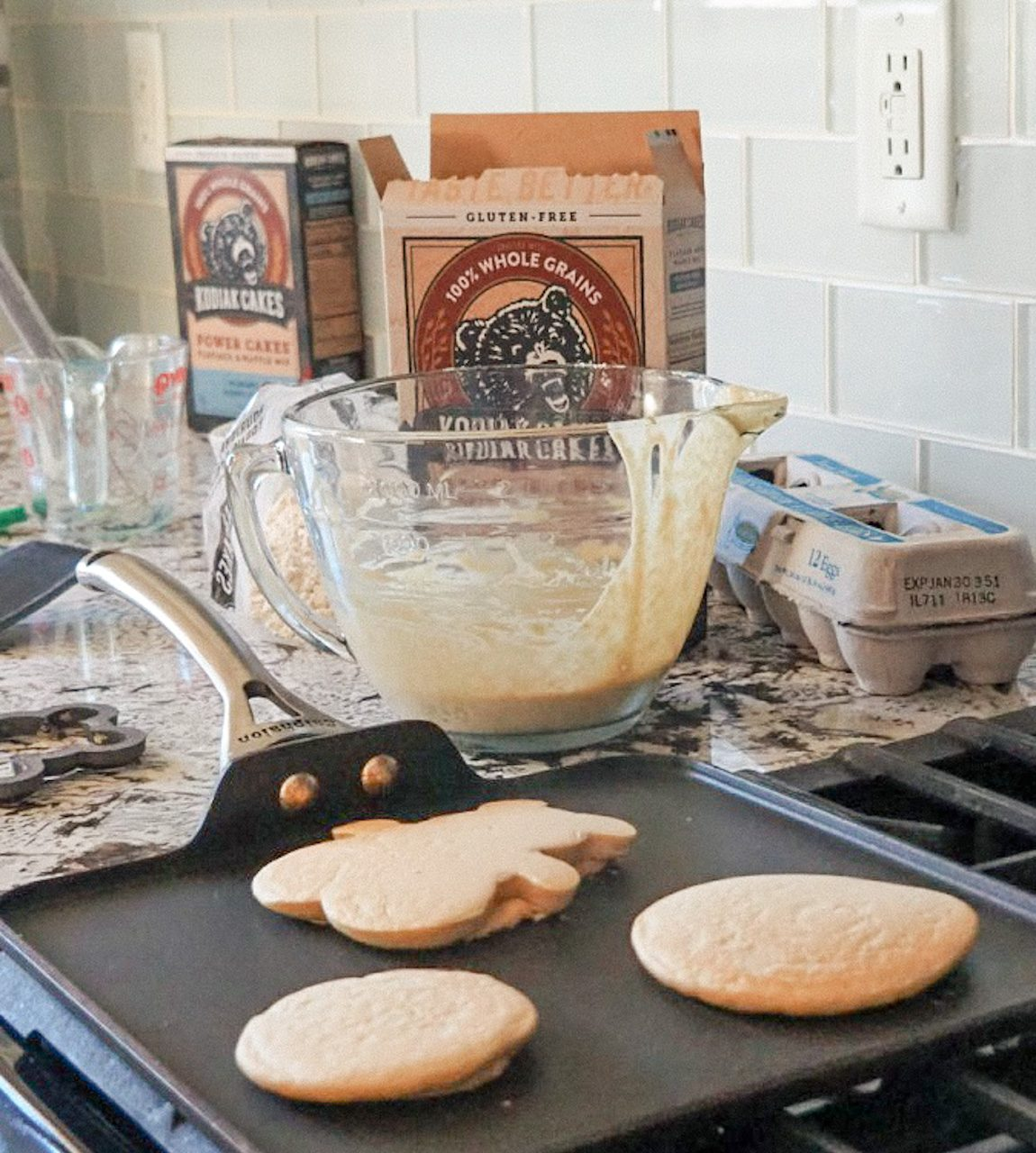 Conquering your Week Ahead with Kodiak Cakes Pancakes: How to Prepare for a Busy Week