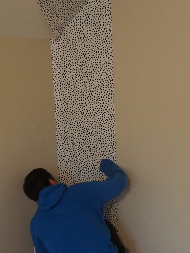 Tips for hanging peel and stick wallpaper