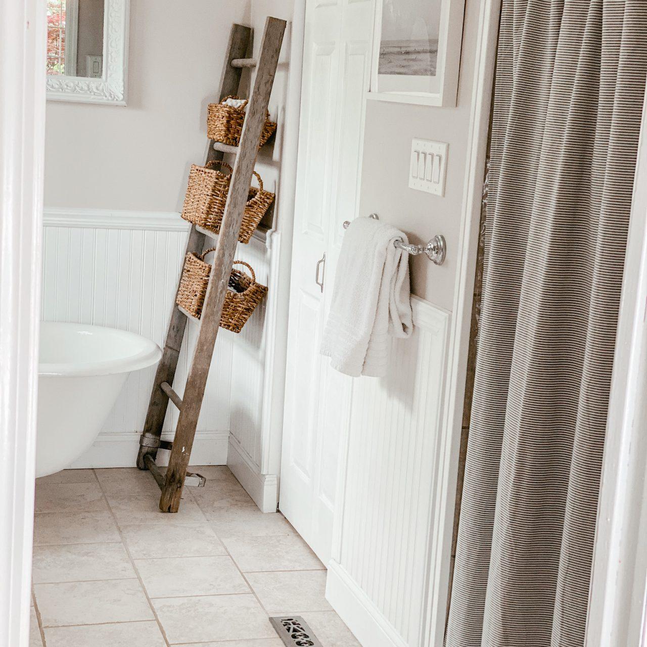 A Simple Bathroom Makeover