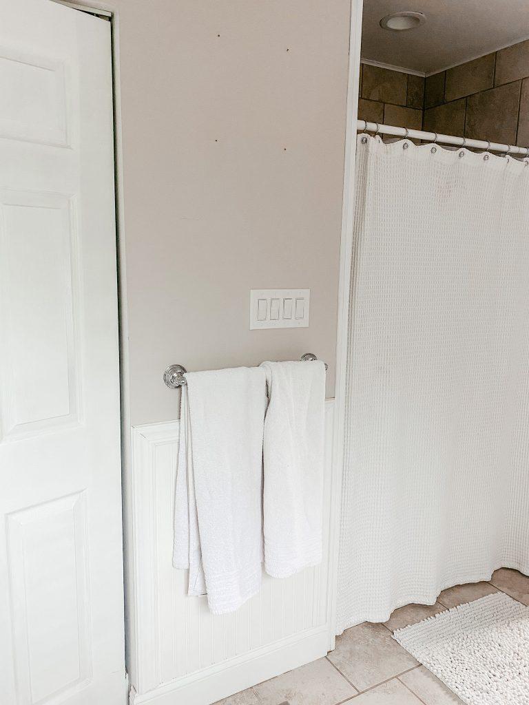 Simple bathroom update_before photo