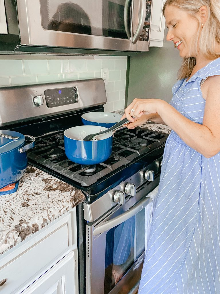cooking with non-toxic ceramic cookware