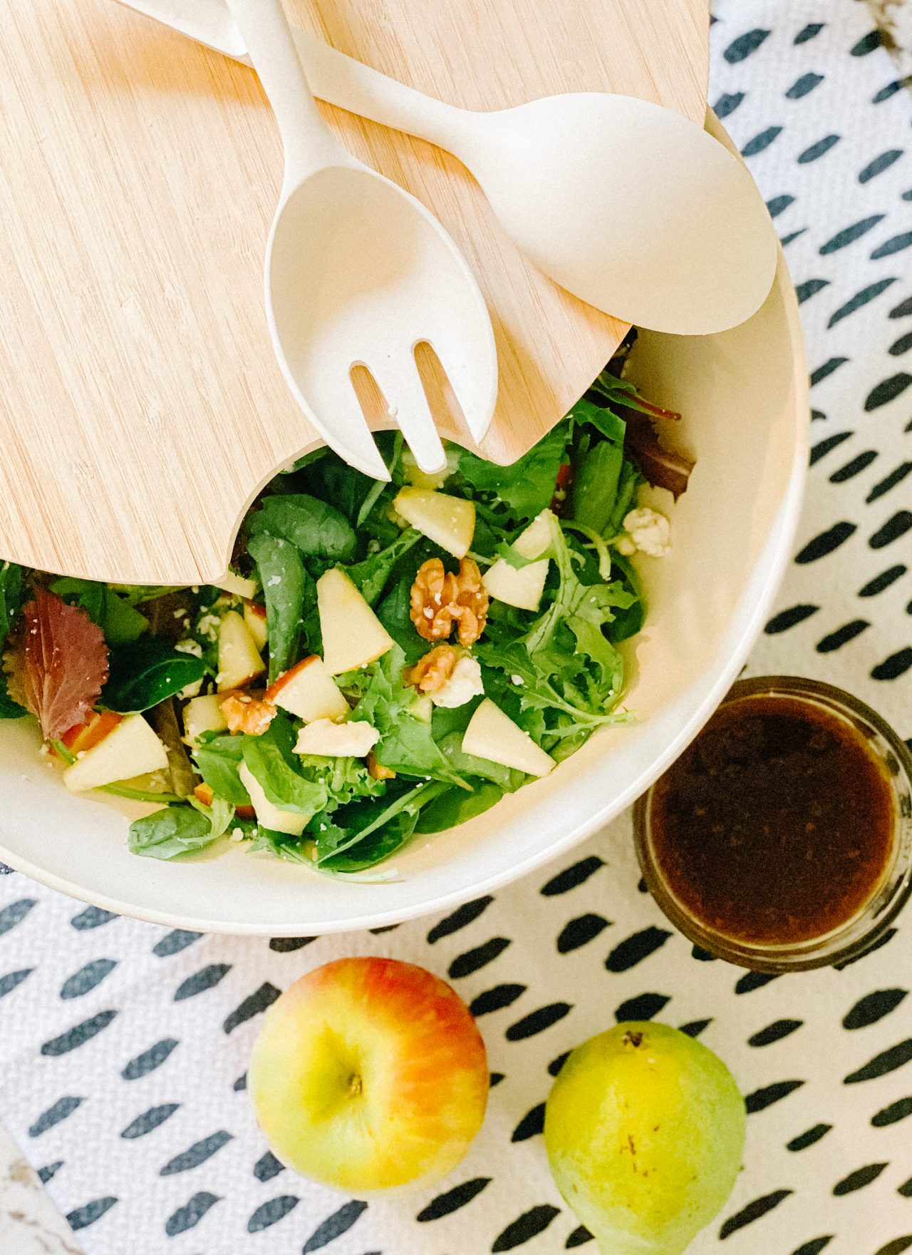 easy fall salad with apples